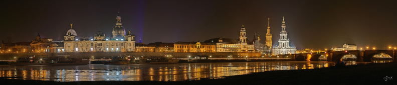 Dresden_by_night_neu.jpg