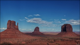 monument-valley-Handschuhe-fels