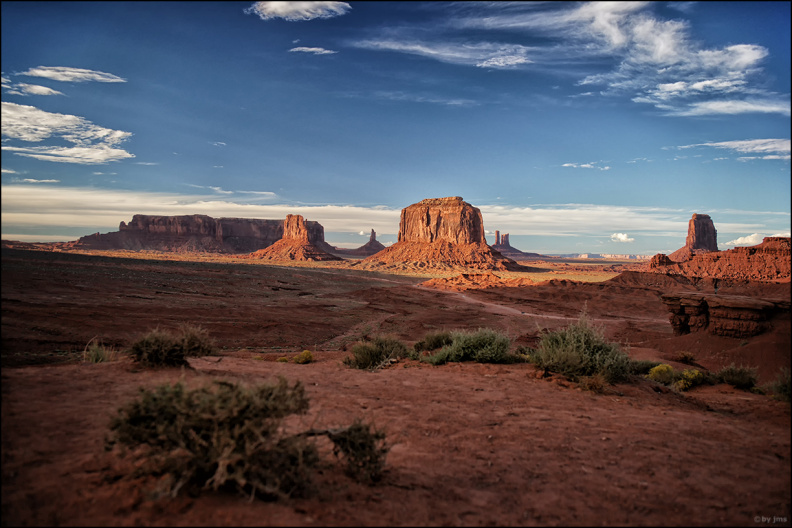 monument-valley-classic-view.jpg